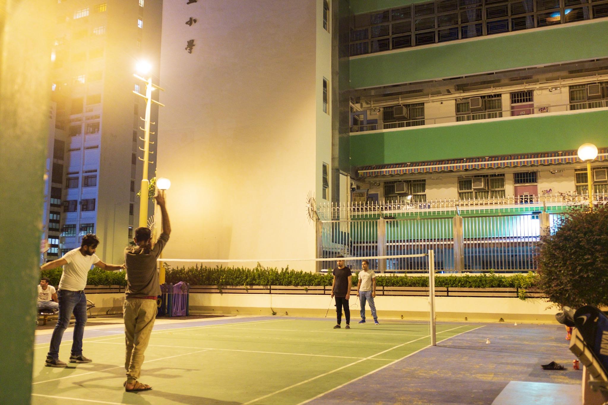 夜晚的羽毛球